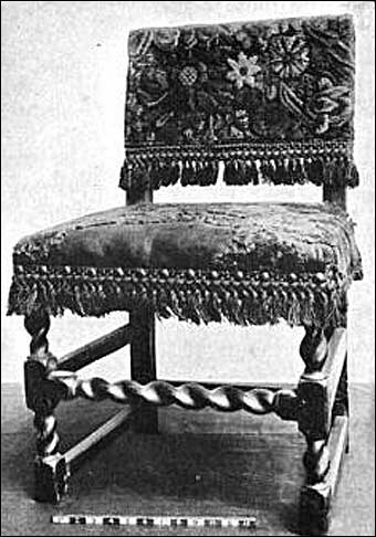 Furniture Styles - Jacobean Farthingale chair<br>