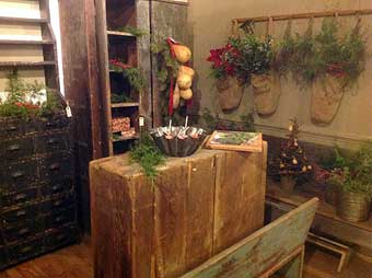 Ivy Hall Antiques: Abbottstown, PA - The booth of dealer Patsy Martin of Chambersburg, Pennsylvania