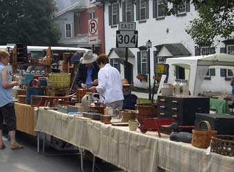 Colonial sense architecture towns new berlin antiques for Frederick county fairgrounds christmas craft show