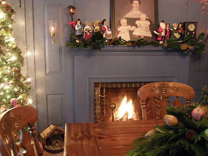 Salem, NJ Yuletide Tour - The interior of the Clement Acton House built in 1818