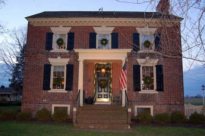 Salem, NJ Yuletide Tour - The James Barrett House in Mannington, photo courtesy of Suzanne Cook/Carol Reese