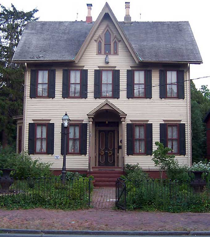 Salem, NJ Yuletide Tour - The Matlack House built in 1868, photo courtesy of Suzanne Cook/Carol Reese