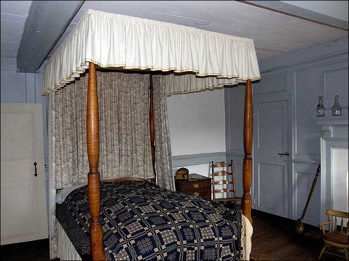 Bed Roping - Bedstead at the Harriton House, Bryn Mawr, Pennsylvania